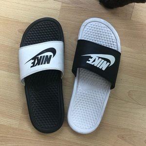 Nike Benassi Rare Mismatched Slide